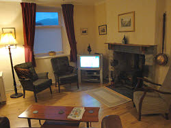 relaxing lounge to plan your day in snowdonia